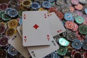 pelaamaan kaikkea blackjackista ja pokerista